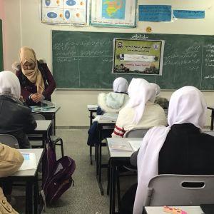 """الرابطة الإسلامية تطلق حملة """"دبوسك علينا"""" في مدارس قطاع غزة."""