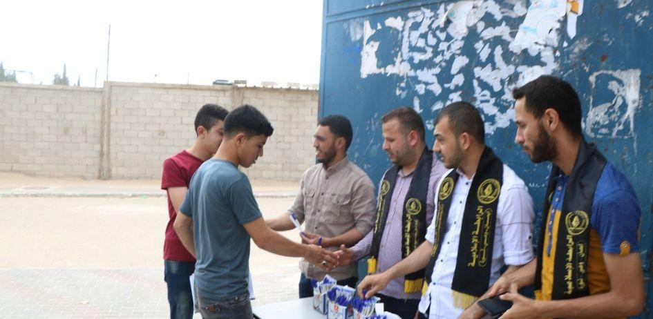 الرابطة الإسلامية تنظم حملة قلمك علينا لطلبة الثانوية العامة في مدارس شمال غزة