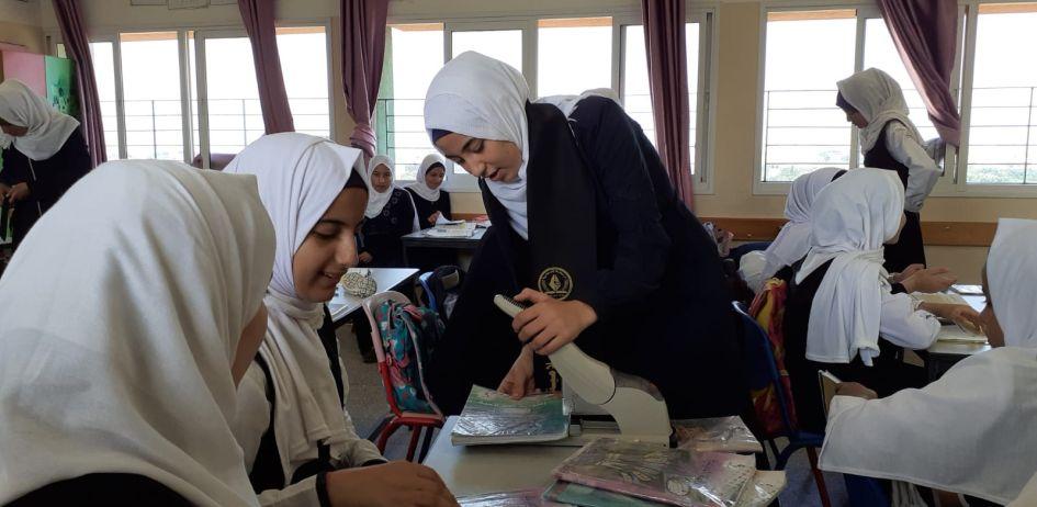 الرابطة الإسلامية تطلق حملة دبوسك علينا في مدارس طالبات غزة