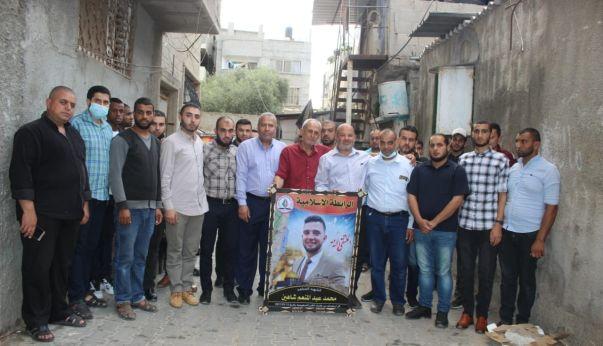 الرابطة الإسلامية تزور عوائل شهداء سيف القدس في الوسطى